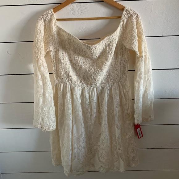 Xhilaration Dresses & Skirts - Off white off the shoulder boho dress